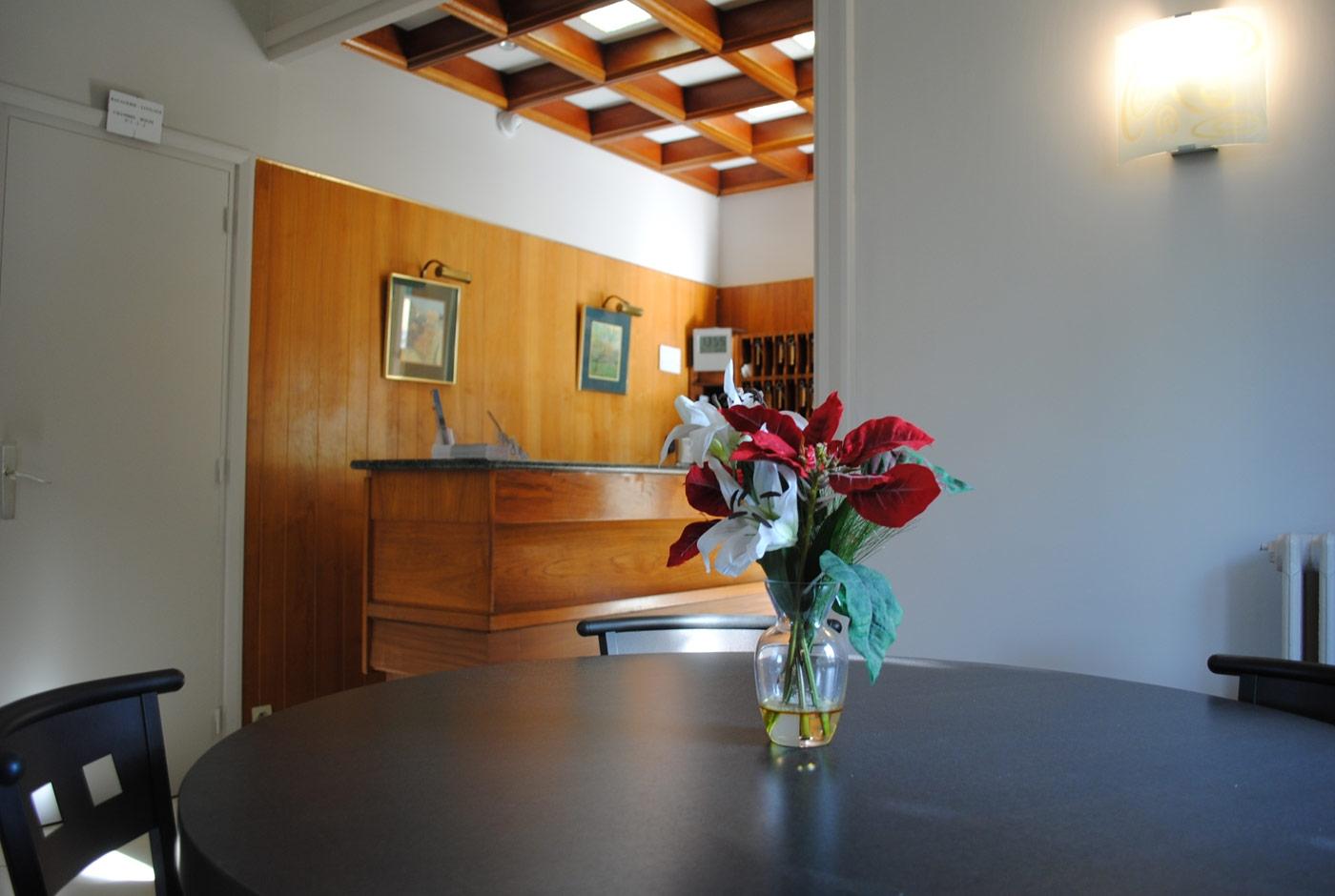 hotel-lacassagne-home-slide06