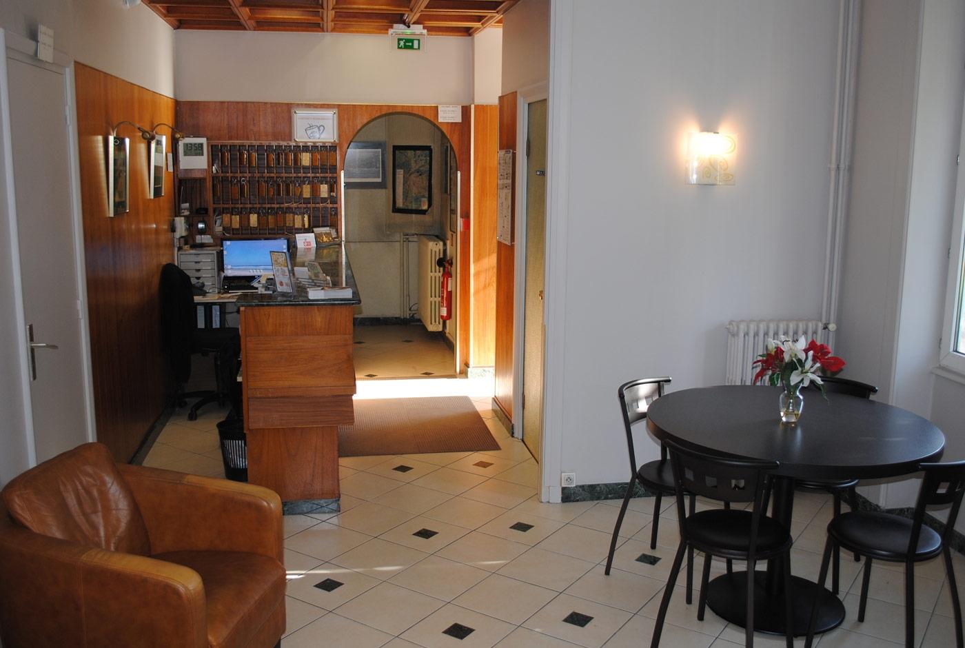 hotel-lacassagne-home-slide08