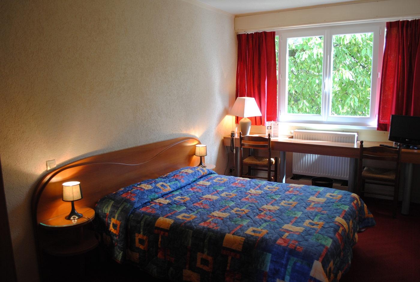 hotel-lacassagne-home-slide09