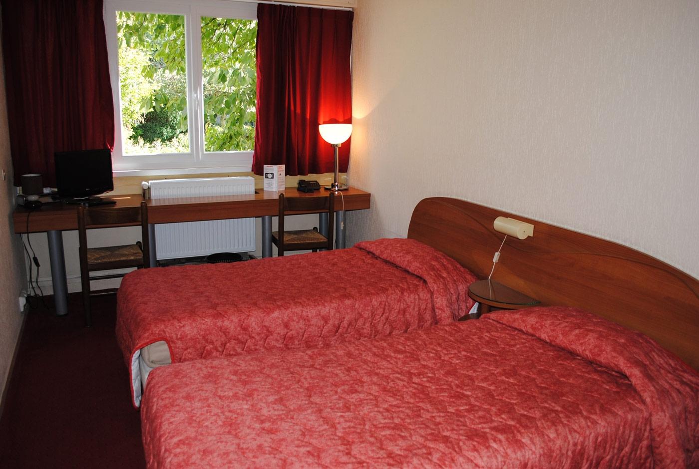 hotel-lacassagne-home-slide10
